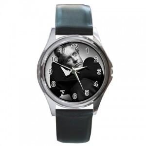 http://www.starsonstuff.com/1954-2383-thickbox/michael-douglas-silver-tone-round-metal-watch.jpg