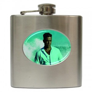 http://www.starsonstuff.com/2053-2479-thickbox/robbie-williams-6oz-hip-flask.jpg
