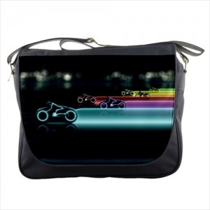 http://www.starsonstuff.com/25128-thickbox/disney-tron-messenger-bag.jpg