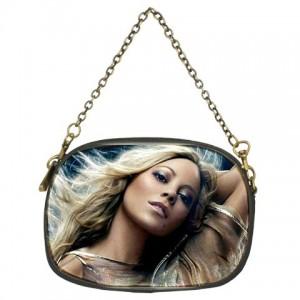 http://www.starsonstuff.com/341-418-thickbox/mariah-carey-chain-purse-one-side-.jpg