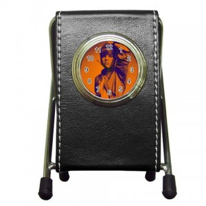http://www.starsonstuff.com/4003-thickbox/justin-bieber-desktop-clock-pen-holder.jpg