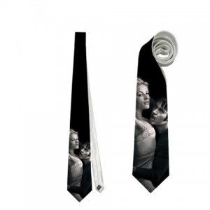 http://www.starsonstuff.com/4189-thickbox/true-blood-necktie.jpg