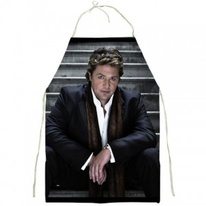 http://www.starsonstuff.com/4954-thickbox/michael-ball-bbq-kitchen-apron.jpg