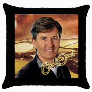 http://www.starsonstuff.com/5410-thickbox/daniel-o-donnell-signature-cushion-cover.jpg