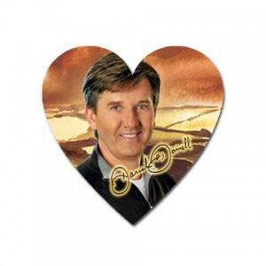 http://www.starsonstuff.com/5747-thickbox/daniel-o-donnell-signature-heart-shaped-magnet.jpg