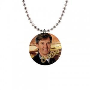 http://www.starsonstuff.com/5767-thickbox/daniel-o-donnell-signature-necklace.jpg