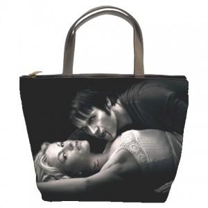 http://www.starsonstuff.com/823-967-thickbox/true-blood-bucket-bag.jpg