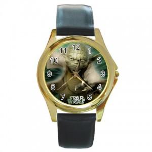 http://www.starsonstuff.com/835-985-thickbox/star-wars-master-yoda-gold-tone-metal-watch.jpg