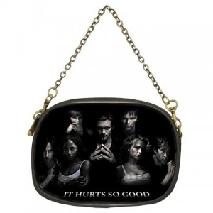 http://www.starsonstuff.com/877-1123-thickbox/true-blood-chain-purse.jpg