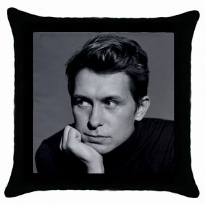 https://www.starsonstuff.com/2246-2694-thickbox/take-that-mark-cushion-cover.jpg