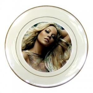 https://www.starsonstuff.com/225-292-thickbox/mariah-carey-porcelain-plate.jpg