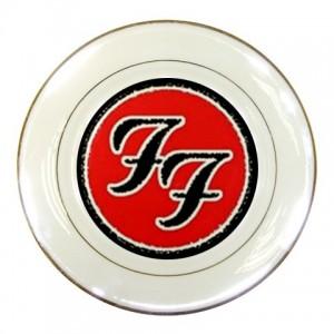 https://www.starsonstuff.com/227-295-thickbox/the-foo-fighters-logo-porcelain-plate.jpg