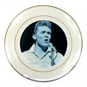 https://www.starsonstuff.com/228-296-thickbox/billy-fury-porcelain-plate.jpg