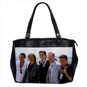 https://www.starsonstuff.com/23874-thickbox/spandau-ballet-oversize-office-handbag.jpg